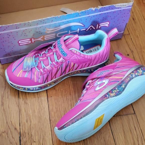 Sketchers Girls Sneakers Size 2